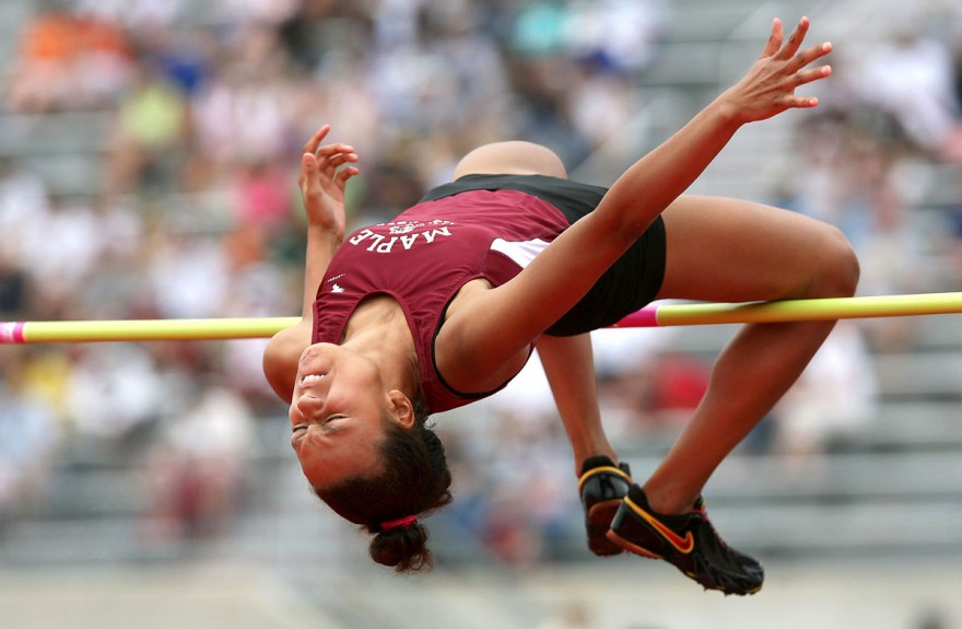 30-girls-track-field-high-jump-880x575